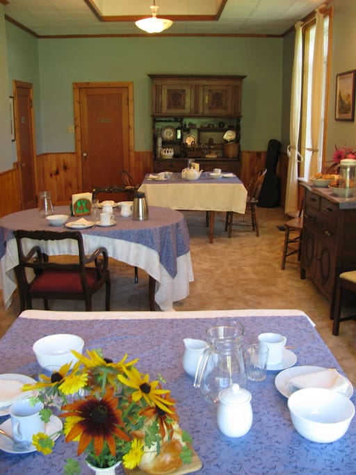 Breakfast tables in Diningroom