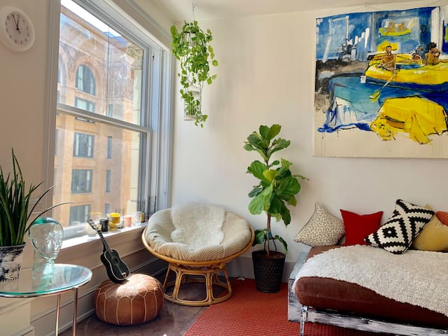 Artsy vibe loft in historic Downtown LA