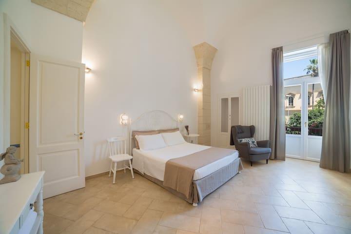 Nuvole Barocche - Artist's Room