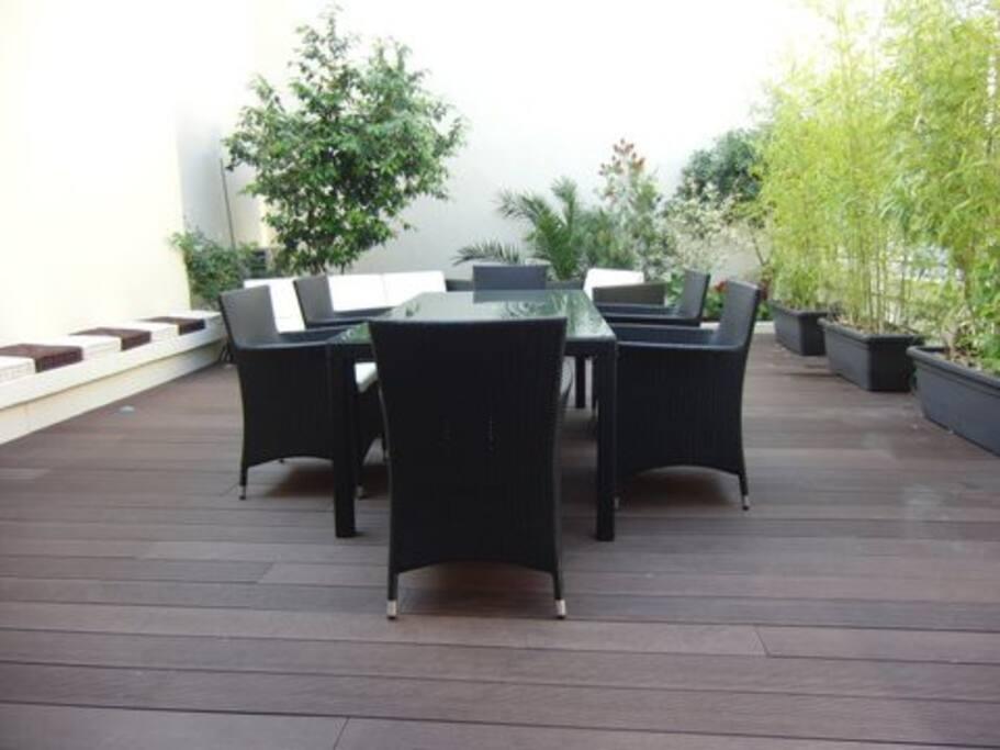Superbe terrasse entièrement meublée de 45m2 env.