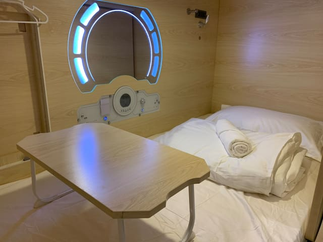 Setia Alam Capsule Hotel-Single Bed(Male Only)