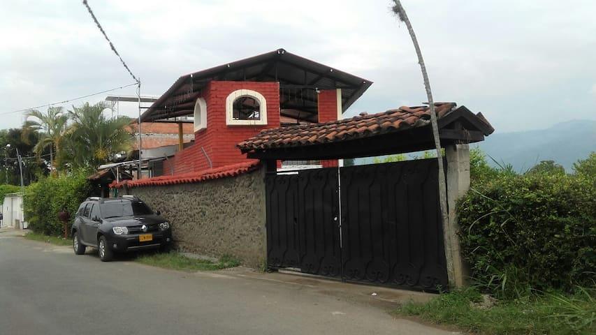 Casa Campestre con piscina en Santa Elena Valle - El Cerrito - Hotel ekologiczny
