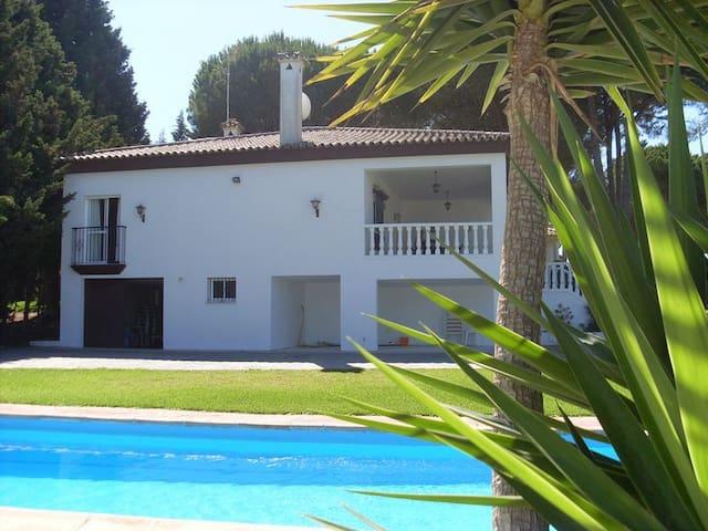Große Villa in Fuente del Gallo - Conil de la Frontera - Hus