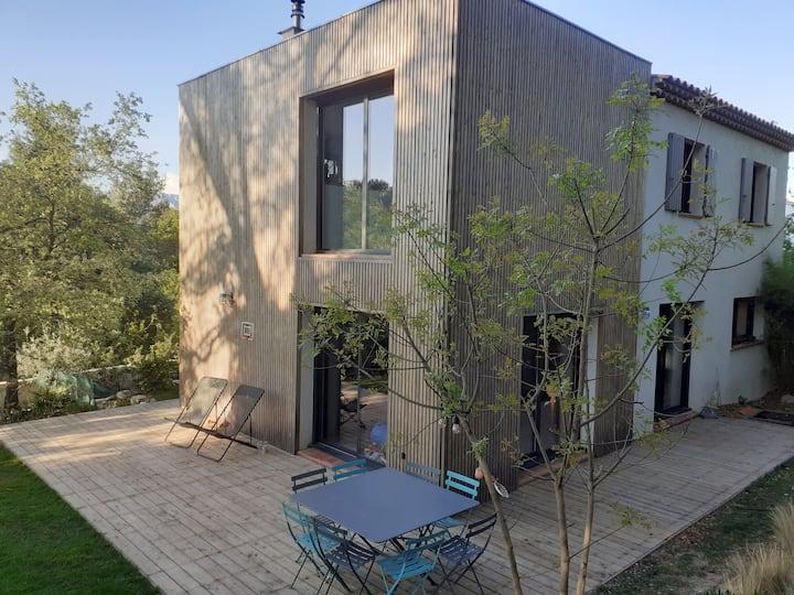 Maison moderne avec piscine proche Aix en Provence