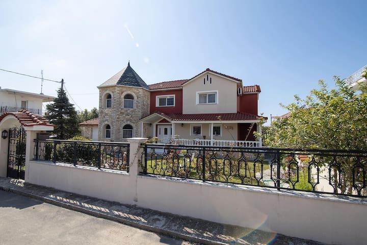 Old Victorian With Greek Finesse Unique Villa