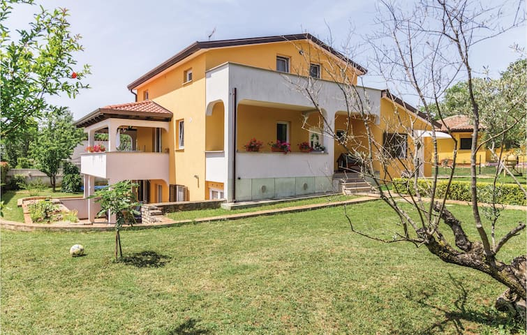 Holiday apartment with 1 bedroom on 43m² in Umag