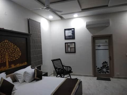 SM Villa-Suite room in a farm