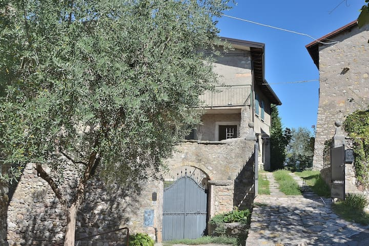 Apartment Loncrino With Terrace Lake View