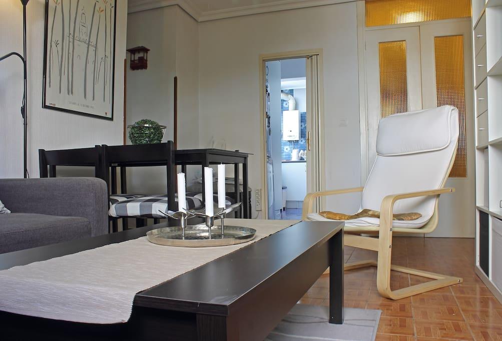 Salón cocina y entrada