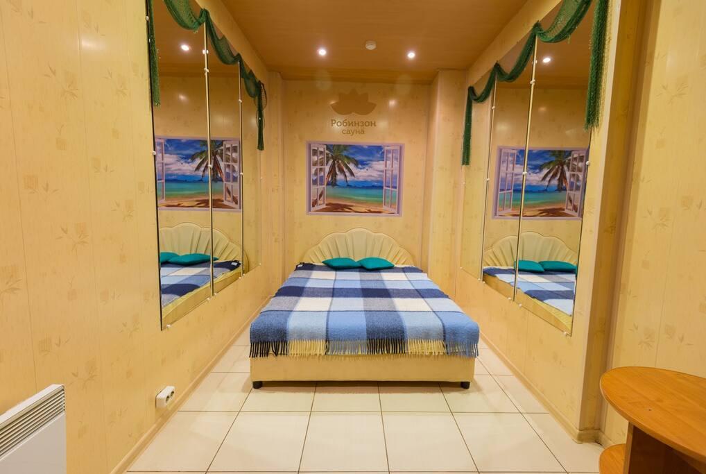 Спальня. 2-х местная кровать.