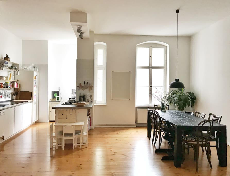 :: open-plan kitchen & dining area :: (with two TripTrap high chairs)