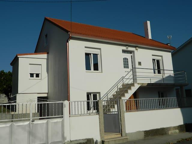 Casa en Esteiro sin tráfico - Muros - Haus