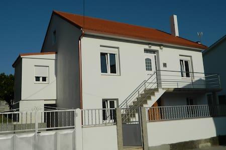 Casa Pili en Esteiro sin tráfico - Muros - Talo