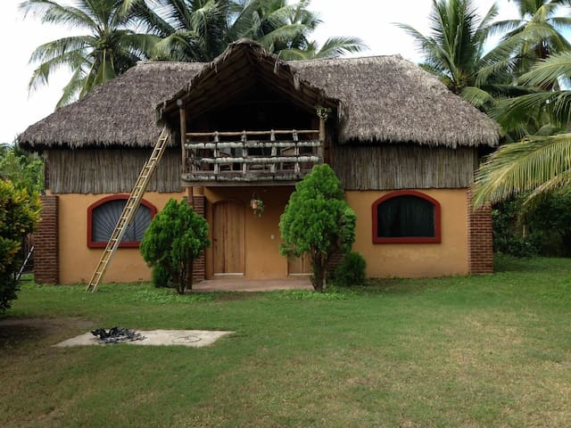 Boca De Iguanas Rustic palapa Hut #1 Beach 400 mts