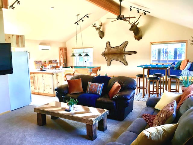 Animal Lovers Forested Custom Built with Hot Tub