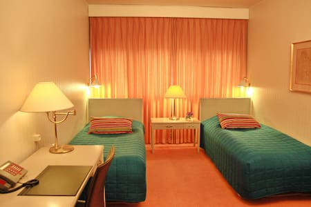 Outlet Hotel Frederikshavn - Frederikshavn - Bed & Breakfast