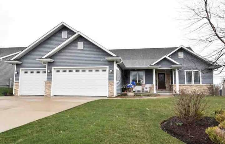 Beautiful and Cozy Lake Geneva Home for Rent
