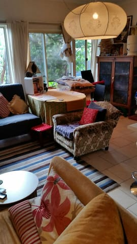 Comfy Artistic home environment, Near CBD. - Klemzig - Rumah