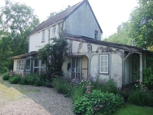 Henllan Mill Cottage near Welshpool