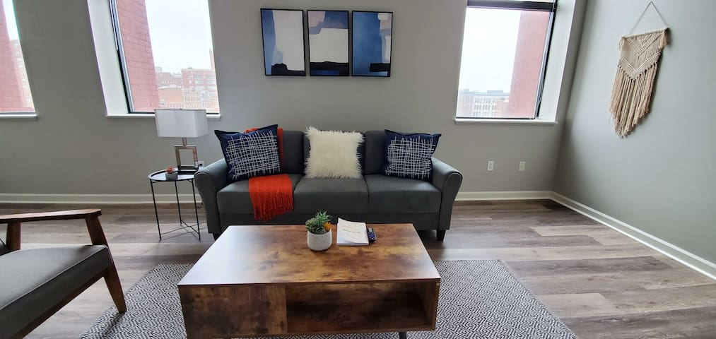 Desirable 1BR near Cuyahoga River