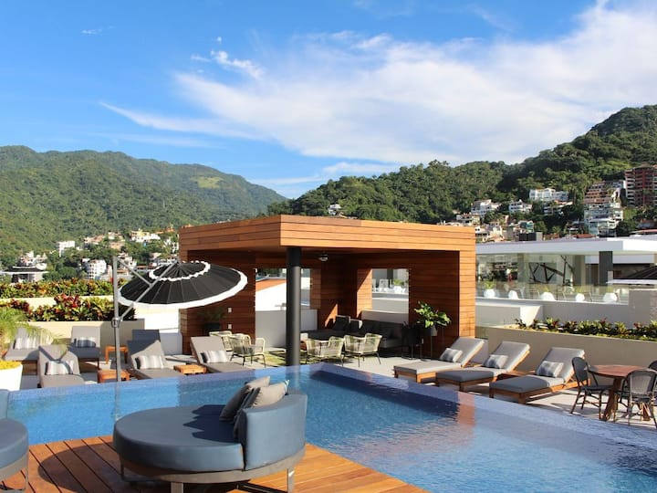 Professionally Clean and Modern with RoofTop Pool