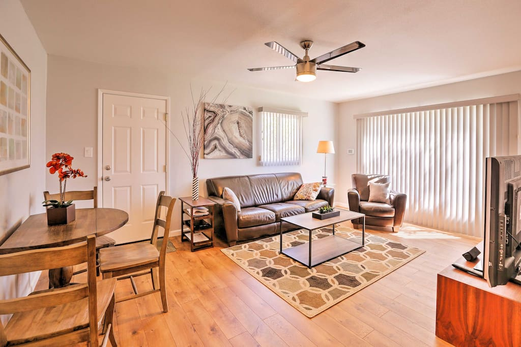Hardwood floors, classic decor and comfortable furnishings welcome you!