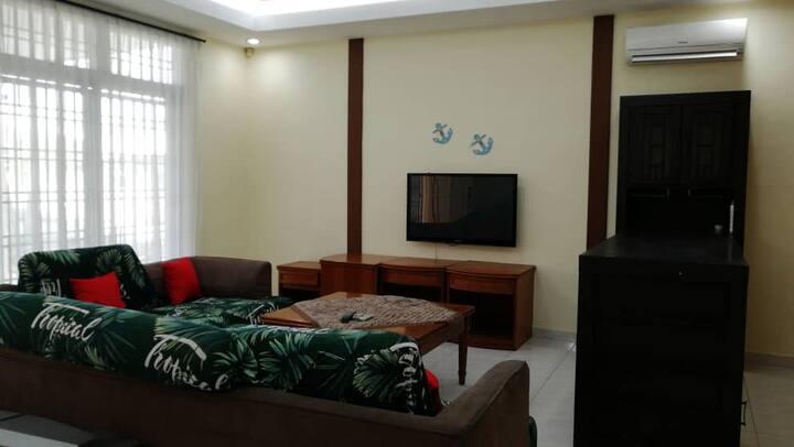 Balinese Cozy Homestay -Near UTM
