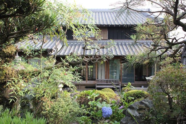Ise to Kumano Kodo Tea Field Villa