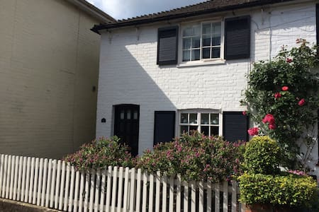 Central Christchurch 2 bed cottage - Christchurch - Dom