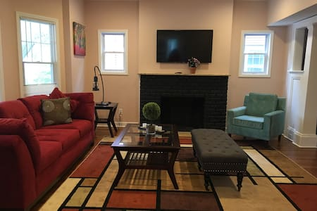 Newly updated 6bdr., 5bath close to Clinic, Case !