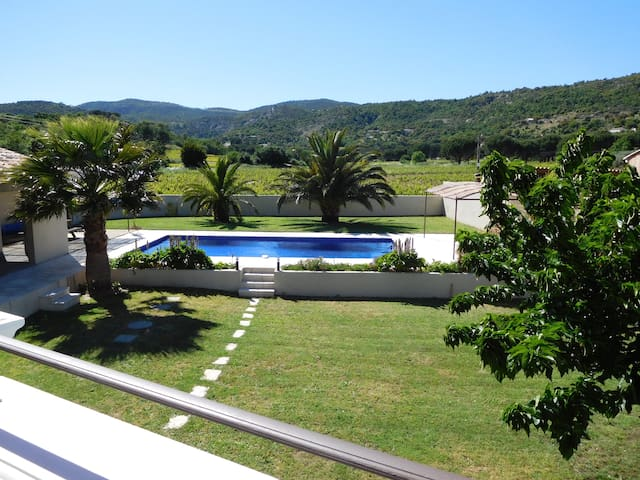 Villa, air-conditioning, heated pool nr StTropez