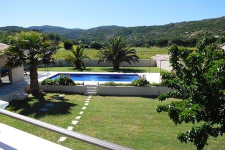 Villa, air-conditioning, heated pool nr StTropez
