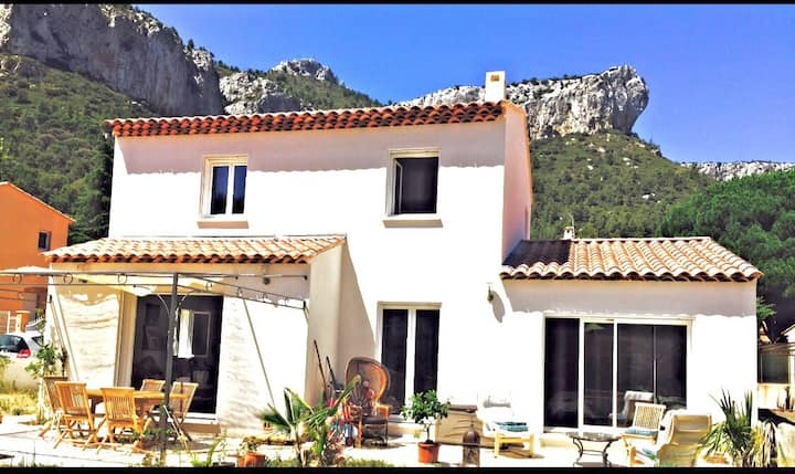 Nice studio 28m2 in house, Le Revest (Toulon)