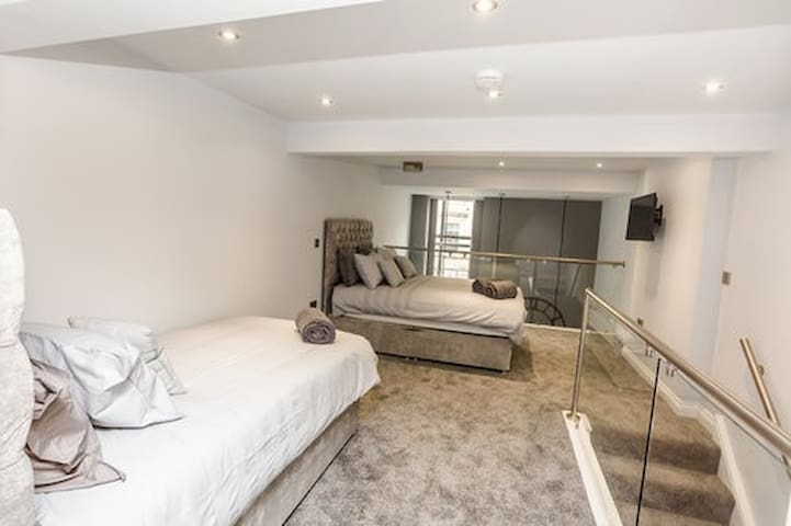 One bedroom apartment located in the town centre