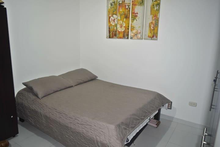 habitación cómoda y amplia en conjunto residencial