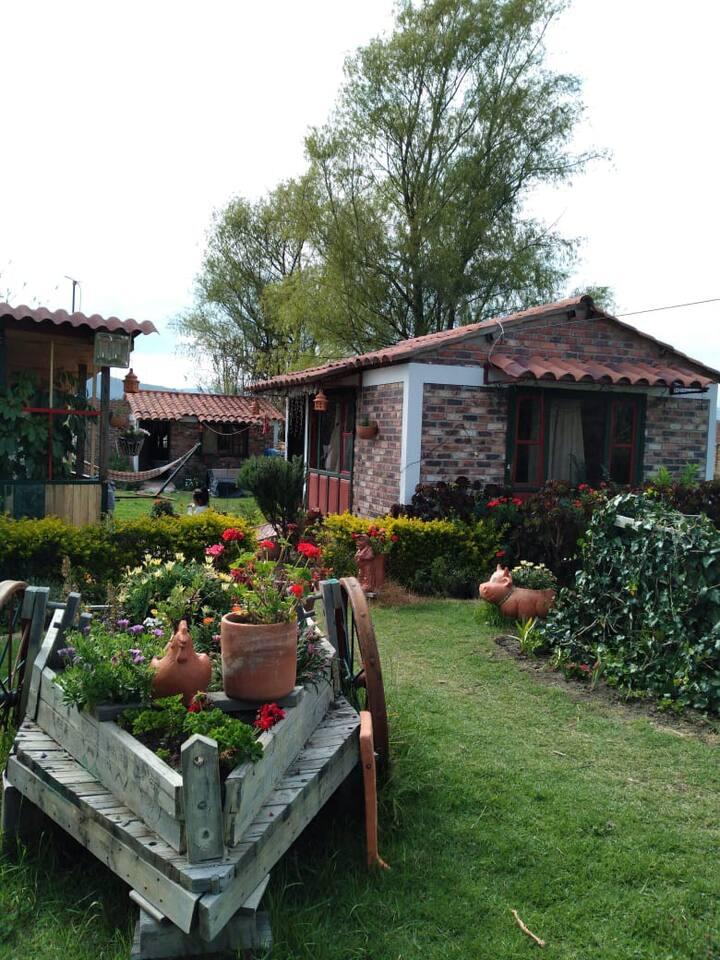 Hermosas Cabañas con jardines maravillosos.