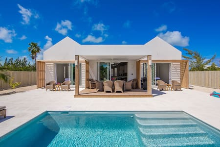 New Villa Grace Bay Beach - Leeward Settlement - 別荘