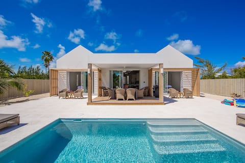 Turks and Caicos Islands, Grace Bay Beach, New