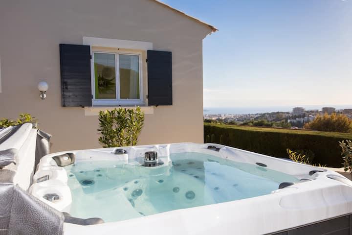 Chambre vue mer avec terrasse et Jacuzzi privatif