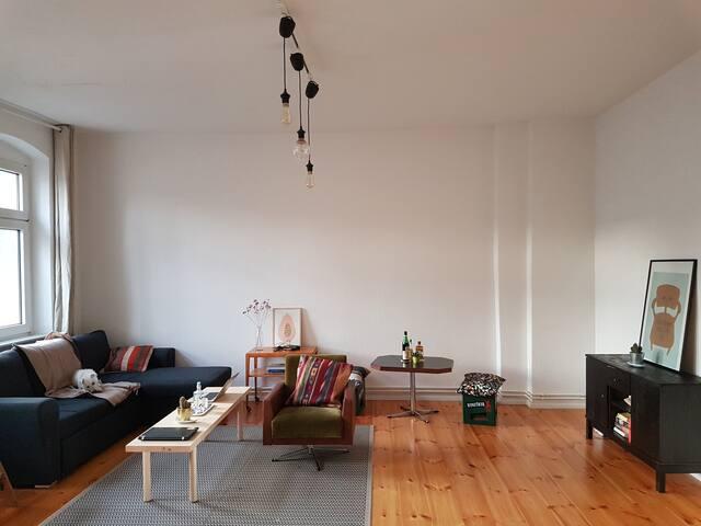 Private room in minimalistic home in Moabit