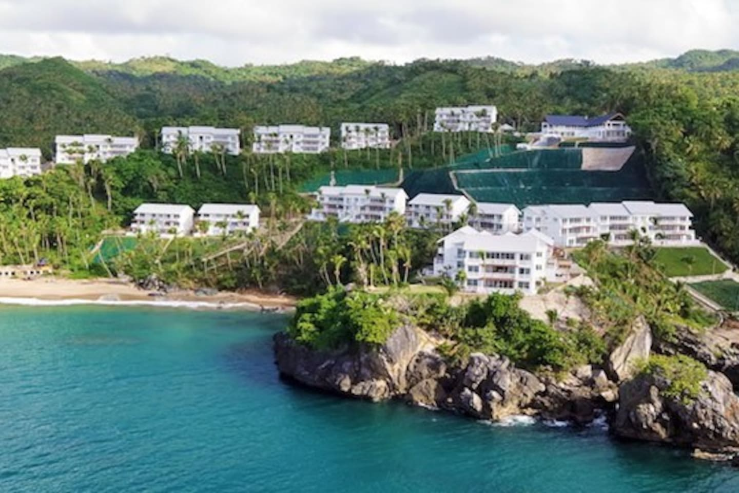 Located in a hill facing the water in Samana Bay