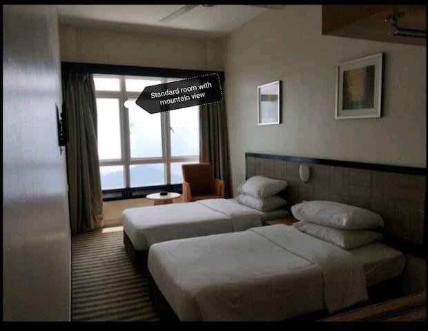 FWH第一酒店Standard Room(预定19or26or27/10附送魔术表演的票)