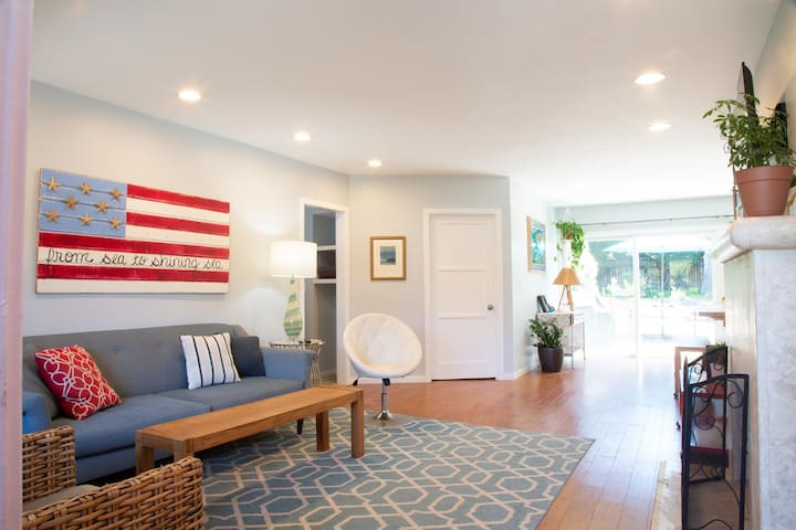 Casa La Jolla: Spacious, convenient, affordable. Pet-friendly, with AC...but summer only!