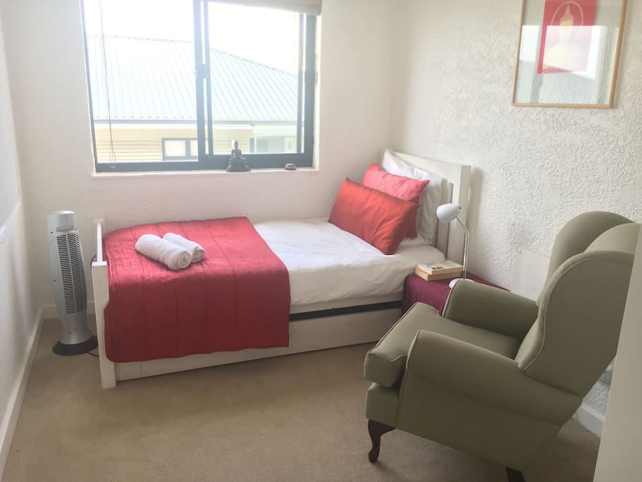 Cosy room with double unit single beds