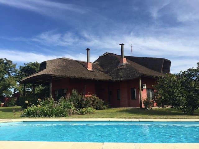 Hermosa casa para disfrutar de Colonia