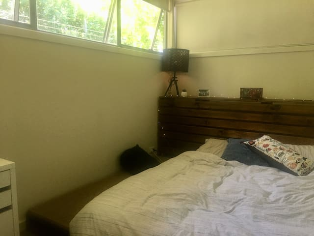 Perfect location, private room, funky house.