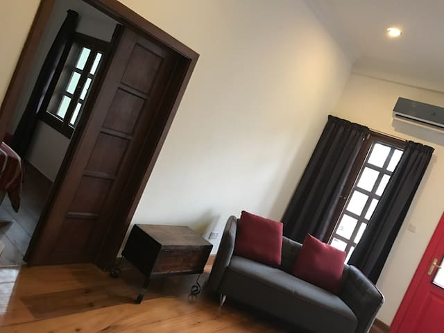 Urban Chic Flat in Osu - Accra - Apartmen