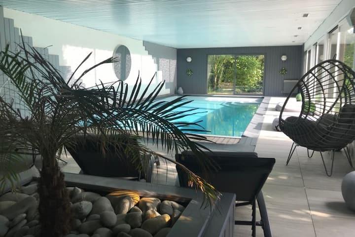 Magnifique longère avec piscine intérieure - sauna