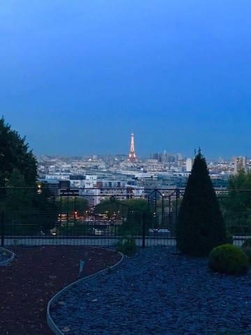 Комната для гостей Парижа