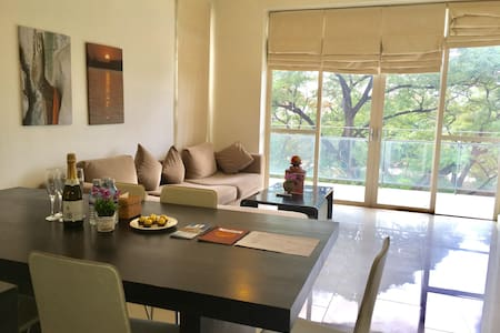 VIP Riverview apartment. Amazing rooftop pool! - Krong Siem Reap